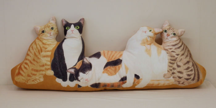 にゃんともぜいたくな 猫まみれハーレムクッションの会(日本猫)