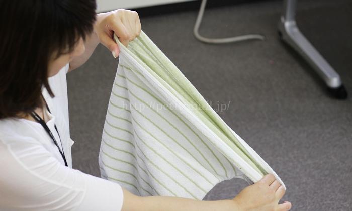 今治タオルのリバーシブルのびのび枕カバーの伸縮性