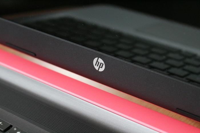 HP Pavilion 15-ab000 画面の写り込み