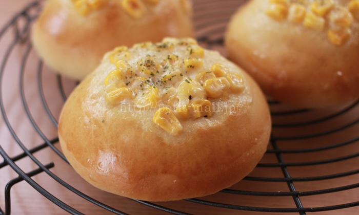 発酵不要30分で作るコーンマヨネーズパン