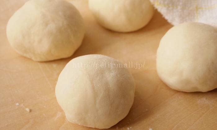 30分で作れるパン 作り方工程 分割して丸める