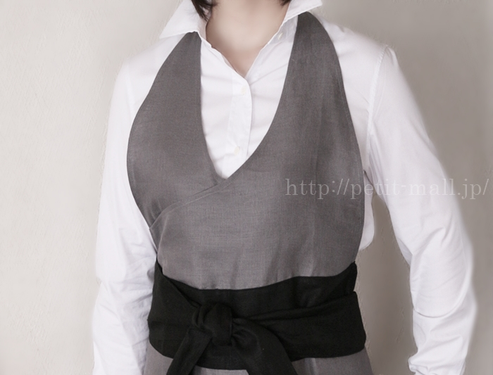 芦屋OTTO HUIT(オットウィット)ホームドレスエプロン 胸ものとの美しいカットライン