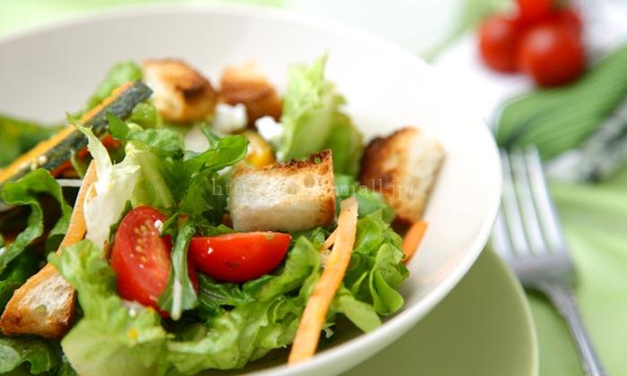 オイシックスの野菜で作ったサラダ(イメージ)