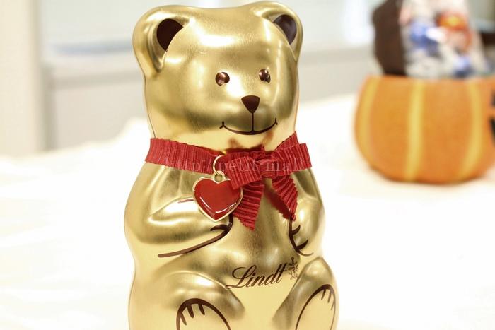 リンツ テディ缶入りチョコレート