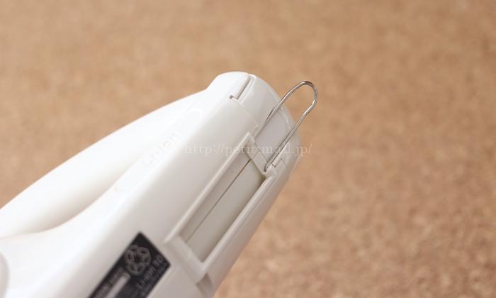 マキタのコードレス掃除機 引っ掛けて置けるフック付き