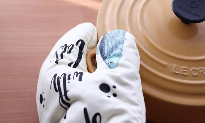 女性の手にちょうどいいサイズのミトン ネコ柄