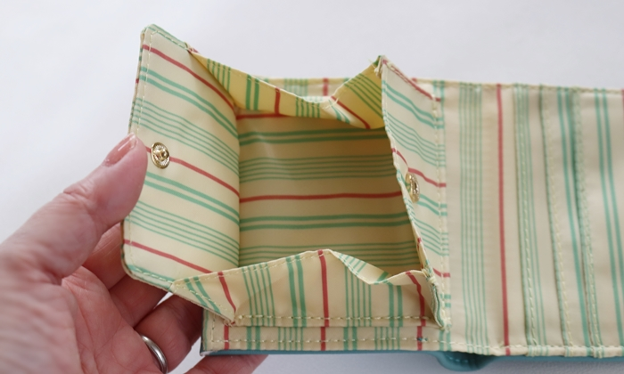 フェリシモ 大人かわいい手のり財布 小銭入れ箱マチタイプ
