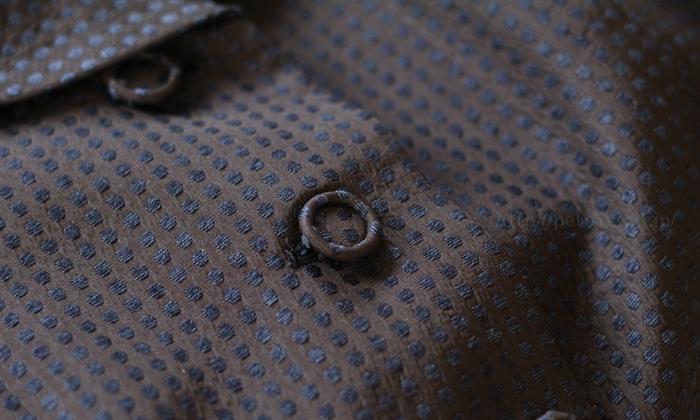 フェラル社 シルクドットジャガードスーツ ボタンはくるみボタン